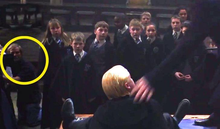 Loạt sai sót trong Harry Potter bị lật tẩy: Chi tiết quan trọng thoắt ẩn thoắt hiện, cặp kính của cụ Dumbledore để lộ bí mật hậu trường - Ảnh 5.