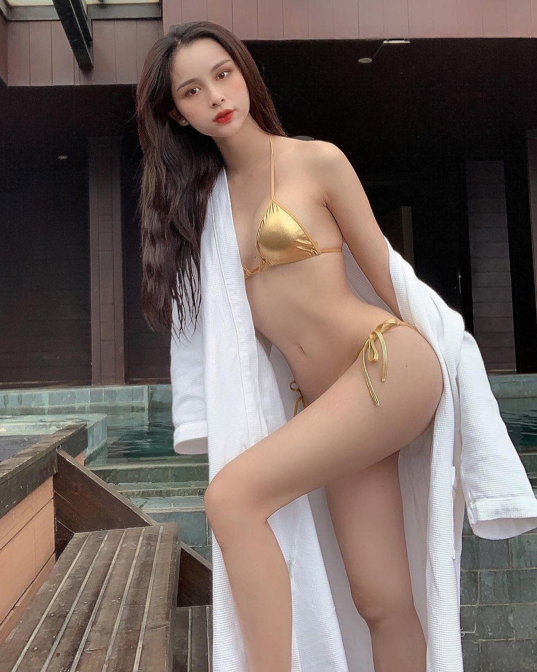 Có 1 kiểu bikini chỉ bé bằng 2 bàn tay của em đây em múa cho mẹ xem nhưng từ netizen tới sao Việt đều diện - Ảnh 1.