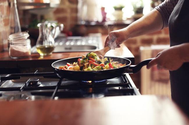 Sau khi nấu ăn nếu thấy có những biểu hiện này thì rất có thể ung thư phổi cách bạn không xa - ảnh 3