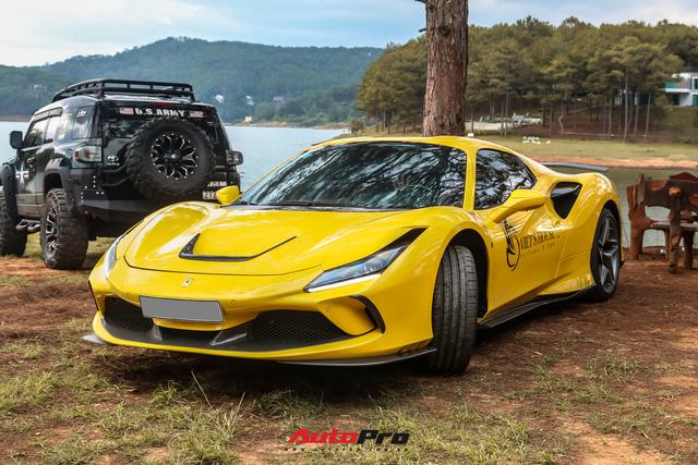 Ferrari F8 Spider của nữ doanh nhân cà phê 9x nâng cấp hàng loạt đồ chơi hàng hiệu - ảnh 3