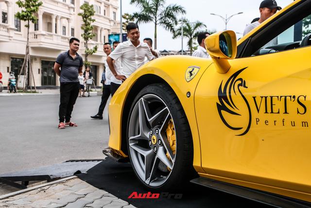 Ferrari F8 Spider của nữ doanh nhân cà phê 9x nâng cấp hàng loạt đồ chơi hàng hiệu - ảnh 4