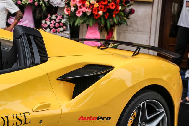 Ferrari F8 Spider của nữ doanh nhân cà phê 9x nâng cấp hàng loạt đồ chơi hàng hiệu - ảnh 5