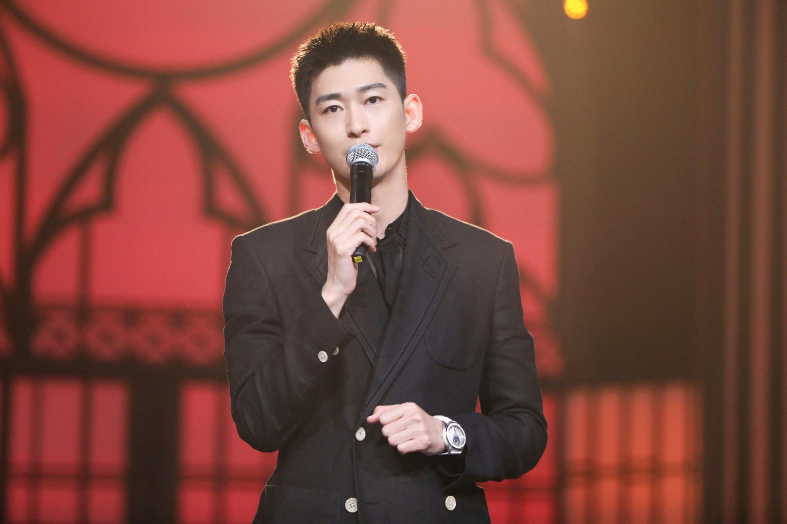 Trương Hàn tiết lộ hơn 3 năm không đóng cảnh hôn vì bạn gái, netizen cà khịa có phim đâu mà hôn - Ảnh 1.