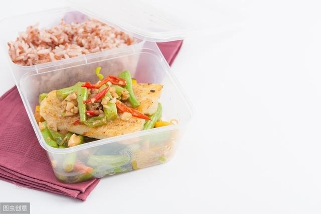 4 sai lầm phổ biến trong việc bảo quản và sử dụng lại thức ăn thừa vào mùa hè mà nhiều người mắc phải - ảnh 2