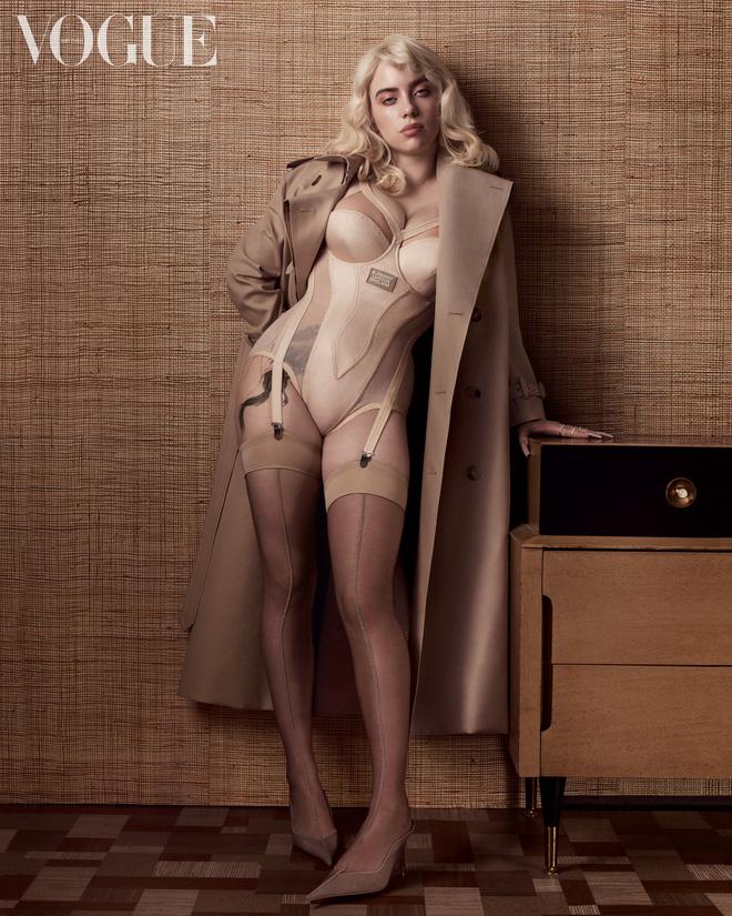 Hành trình Billie Eilish lột xác: Đóng thùng không hở 1cm vì bị lạm dụng tình dục và màn bung xoã sexy khiến thế giới nghẹt thở - Ảnh 17.