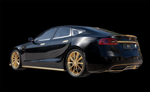 Chơi xe kiểu nhà giàu: Chi 7 tỷ mua cặp Tesla và iPhone 12 mạ vàng giới hạn 99 đôi trên toàn thế giới - ảnh 5