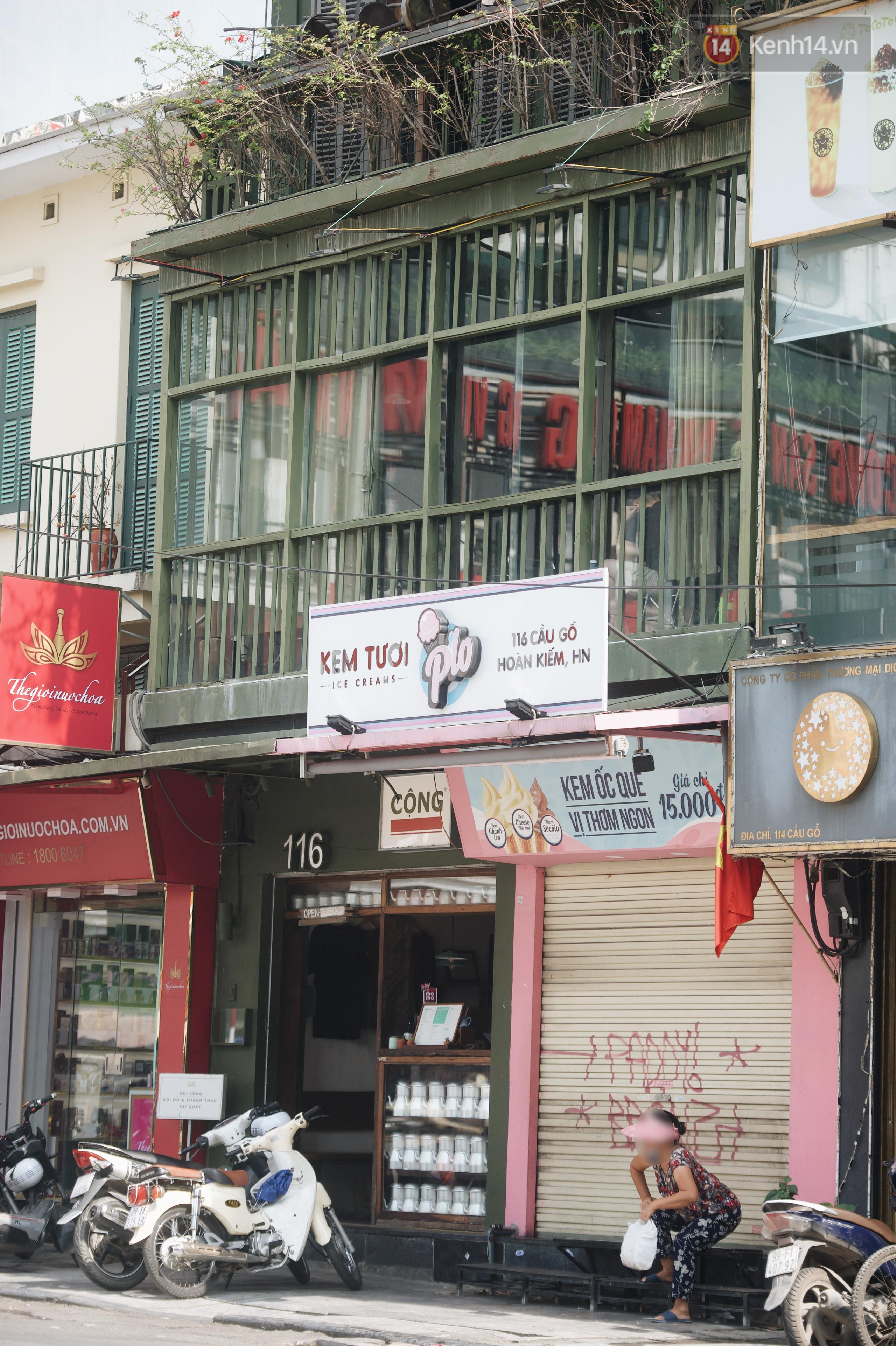 Phố xá Hà Nội ngày đầu toàn dân đi làm trở lại: Lác đác hàng ăn sáng mở cửa, cà phê hiếm bóng người - Ảnh 6.