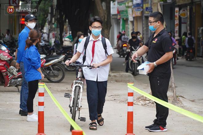 Kế hoạch thi học kỳ II của học sinh Hà Nội và Đà Nẵng khi nghỉ học vì dịch Covid-19 - Ảnh 1.