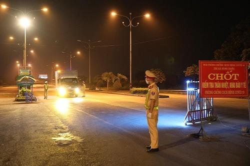 Quảng Ninh tạm dừng hoạt động xe khách liên tỉnh đến các địa phương có dịch COVID-19 - ảnh 1