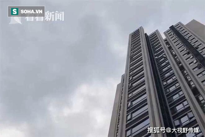 Người dân sống trên chung cư thẳng tay ném… phân xuống dưới, siêu thị tầng 1 hứng trọn hơn 40 lần - ảnh 3