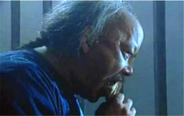 Trước khi chết, Hòa Thân thỉnh cầu người tù bên cạnh: Nếu có thể ra ngoài, hãy giúp tôi chuyện này - Ảnh 4.