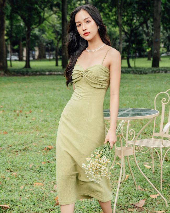 HH Kỳ Duyên mới đổi kiểu váy hai dây: Diện lên hình sống ảo xinh ngây ngất và còn tiết lộ luôn chỗ mua - ảnh 10