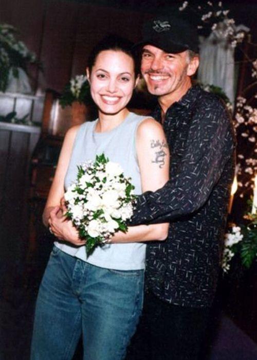 Đời chồng thứ 2 của Angelina Jolie: Nàng lại làm Tuesday, chàng đá hôn thê ngang nhiên cưới nàng và 101 chuyện ân ái gây sốc - ảnh 3