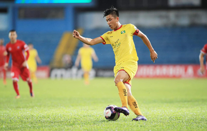 Phan Văn Đức, Quế Ngọc Hải nguy cơ lỡ hẹn với đội tuyển Việt Nam - Ảnh 1.