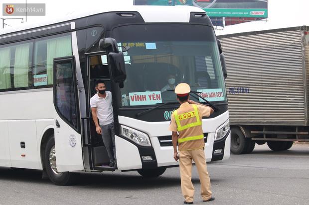 Dịch Covid-19 ngày 7/5: Hà Nội thêm 7 ca dương tính SARS-CoV-2; Phong tỏa Bệnh viện K Tân Triều - Ảnh 2.