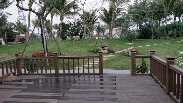 Đa phần diện tích đất đều được dùng để làm sân vườn, trồng cây và tạo hình non bộ