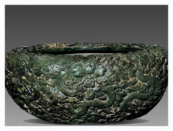 Bảo vật đen đủi nhất: Tạo tác từ 3,5 tấn ngọc quý hiếm rồi làm hũ muối dưa suốt 300 năm - ảnh 1