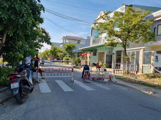 Dịch Covid-19 ngày 8/5: Hà Nội, Bắc Ninh liên tục ghi nhận hàng chục ca dương tính mới, nâng mức cảnh báo lên cao nhất - Ảnh 2.