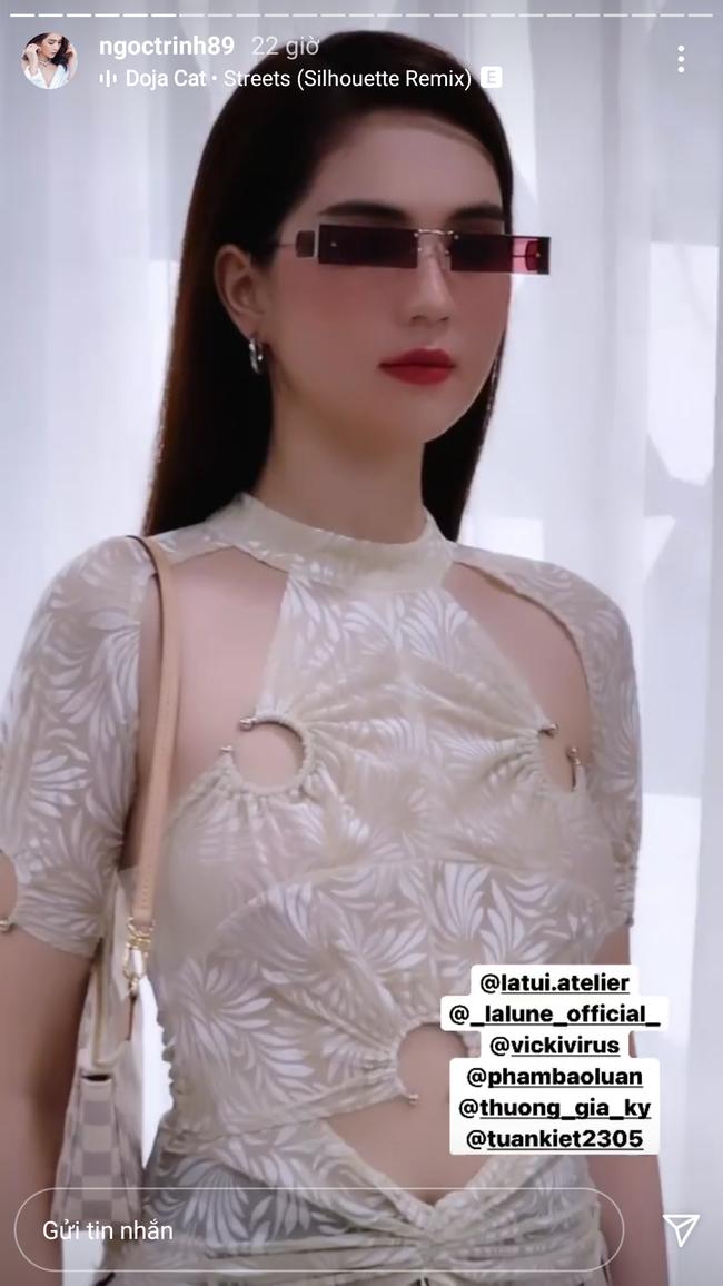Đụng hàng một mẫu áo: Hoa hậu Tiểu Vy thật gợi cảm còn Ngọc Trinh trông khó hiểu vậy? - ảnh 1
