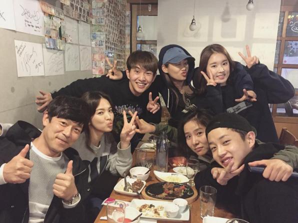 Song Hye Kyo được tặng xe cà phê ủng hộ phim mới, người gửi có liên quan đến chồng cũ Song Joong Ki? - ảnh 6