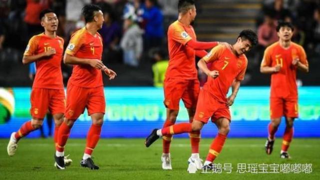 """Chỉ ra điều đáng tự hào nhất"""" với tuyển Việt Nam, báo Trung Quốc thừa nhận nỗi xấu hổ của đội nhà - Ảnh 2."""