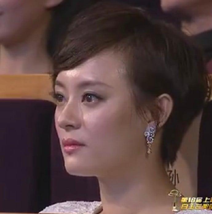 Màn trao cúp Thị hậu drama nhất Bạch Ngọc Lan 2012: Chân Hoàn - Tôn Lệ sượng trân vì hụt giải, Lưu Thi Thi có biểu cảm kinh điển - Ảnh 4.
