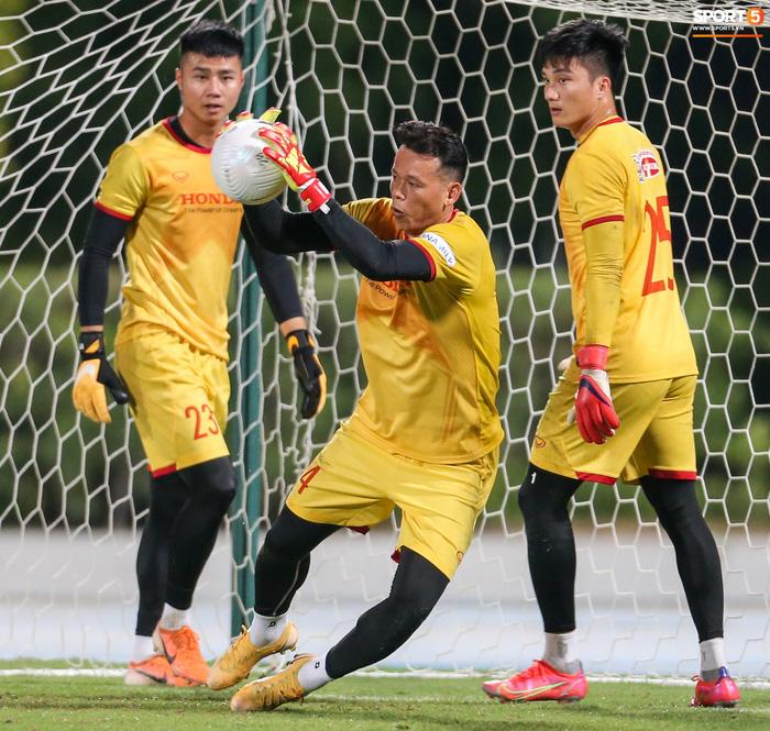 HLV Tan Cheng Hoe cho rằng Tấn Trường hiện tại đã rất khác và sẽ không mắc sai lầm trong trận đấu gặp Malaysia - Ảnh 1.