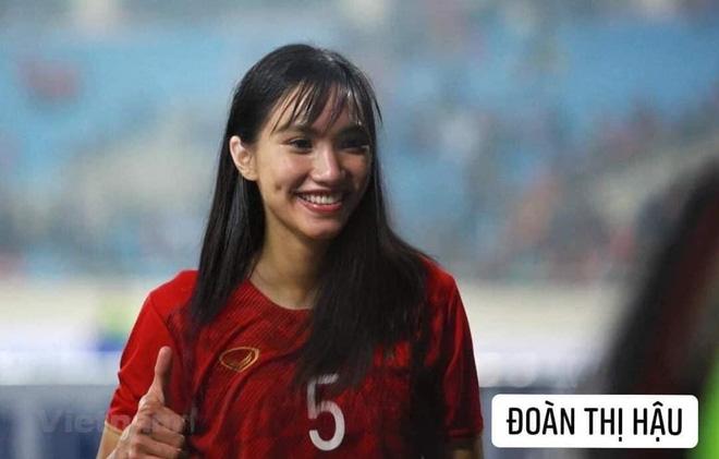 Hình ảnh các nữ cầu thủ ĐT Việt Nam khuấy đảo MXH, nhan sắc thầy Park gây bất ngờ nhất - ảnh 3