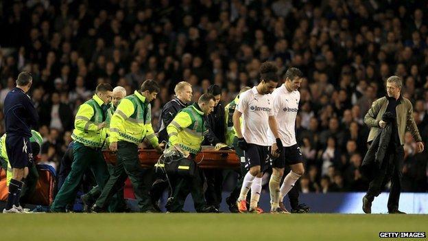 Đột quỵ trong bóng đá: Khi cầu thủ đột nhiên dừng lại và đổ gục xuống bất động, mối nguy cơ đang bị đánh giá quá thấp - ảnh 4