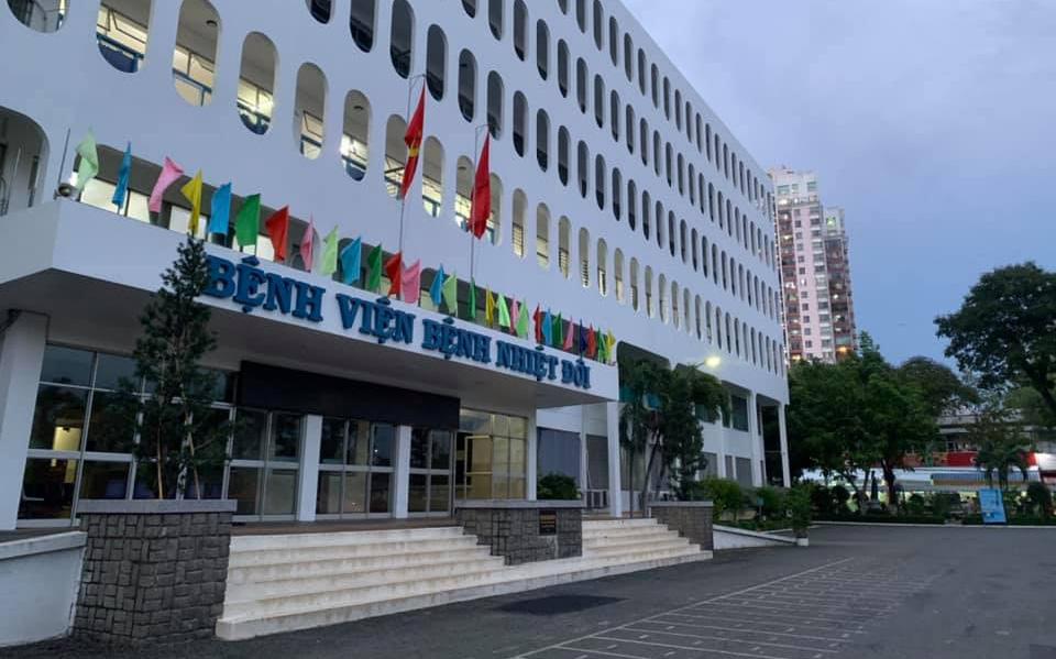53 nhân viên BV Bệnh Nhiệt đới TP.HCM dương tính SARS-CoV-2, 52 người trong đó đã được tiêm vaccine đủ 2 liều