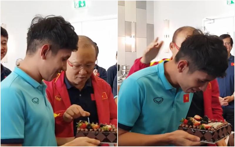 """Thầy Park """"đầu têu"""" cho ĐT Việt Nam úp bánh kem vào mặt Hồng Duy, nhưng cái kết thật bất ngờ"""