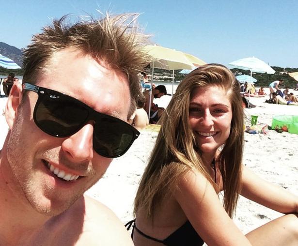 Tuyển thủ Đan Mạch kể lại cuộc trò chuyện với bạn gái của Eriksen khi cô sốc vì thấy hôn phu bị ngừng tim - ảnh 3