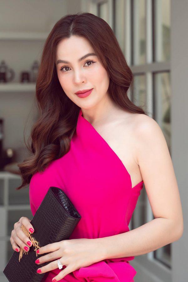 Hoa hậu ở nhà 200 tỷ tố thẳng Phi Nhung lấp liếm tiền bạc, tiết lộ giá cát xê gây choáng của Hồ Văn Cường - ảnh 3
