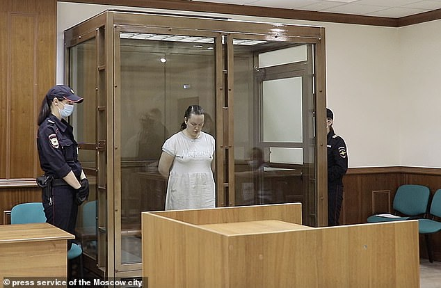 Đứa trẻ 2 tháng tuổi bị ném từ cửa sổ tầng 13 tử vong trong khi bố mẹ đều có ở nhà, danh tính kẻ máu lạnh gây bàng hoàng - Ảnh 3.
