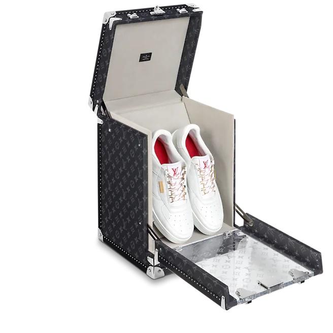 Louis Vuitton tung ra mẫu rương đựng giày xịn đét, giờ đây việc bảo quản giày cứ phải gọi là ở -  cái - tầm! - ảnh 1
