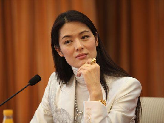 Đệ nhất người mẫu châu Á bị cắm sừng, bỏ chồng về quê làm ruộng và cuộc sống bất ngờ với tài sản 23.000 tỷ đồng - ảnh 2