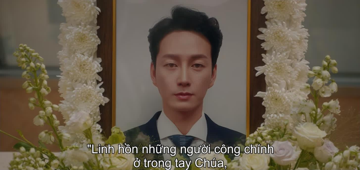 Mợ út Lee Bo Young mất trí nhớ, trùm phản diện Ji Yong chính thức lên bàn thờ ở Mine tập 13 - Ảnh 1.
