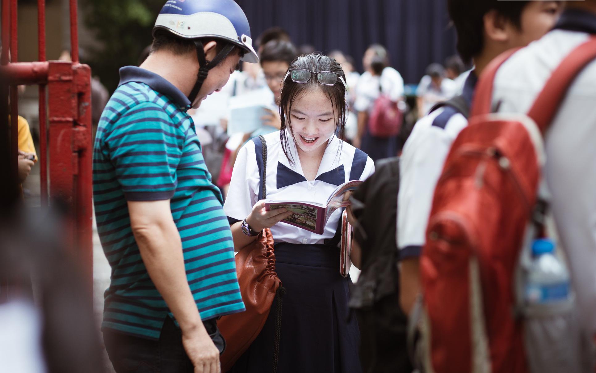 Cập nhật lịch thi vào lớp 10 của 63 tỉnh thành: Nơi dời đến tháng 8, nơi quyết định xét tuyển