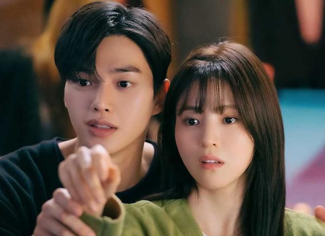 Phim 19+ của Song Kang - Han So Hee mới lên sóng đã có cảnh giường chiếu, netizen la ó bỏng mắt tôi rồi! - Ảnh 6.