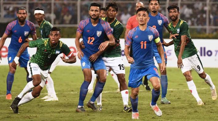 Báo Ấn Độ tiếc nuối quá khứ hào hùng của đội nhà, muốn tầm sư học đạo bóng đá Việt Nam - Ảnh 1.