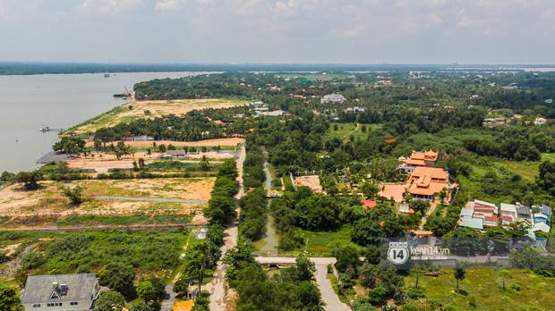 Toàn cảnh Nhà thờ Tổ 100 tỷ của NS Hoài Linh: Trải dài 7000m2, nội thất hoành tráng sơn son thiếp vàng, nuôi động vật quý hiếm - ảnh 1