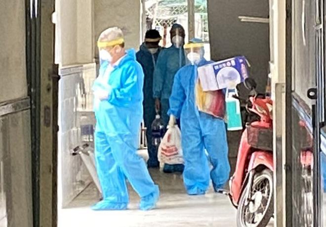 Dịch Covid-19 ngày 22/6: Thêm 95 ca mắc mới; 5 F0 đến khám, Bệnh viện Đa khoa Sài Gòn ngưng tiếp nhận bệnh - Ảnh 1.