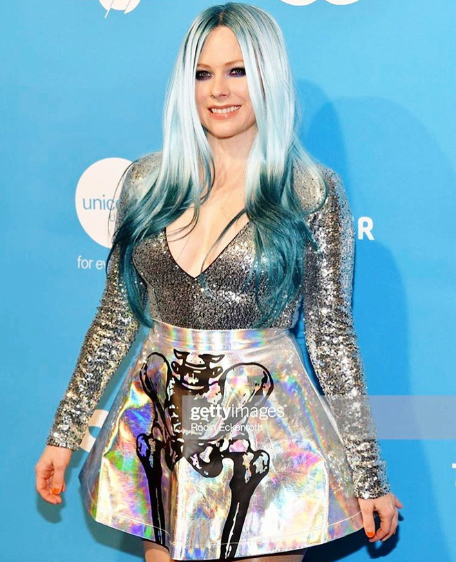 3,4 triệu người đang phát sốt vì clip của Avril Lavigne, nhan sắc sau 20 năm muốn lập kỷ lục hack tuổi thế giới hay gì? - ảnh 10