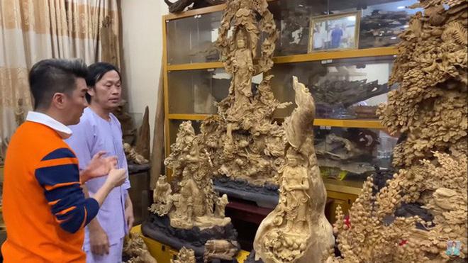 Giữa ồn ào Nhà thờ Tổ, NS Hoài Linh bị netizen soi lại BST trầm hương trị giá trăm tỷ toàn từ gỗ hiếm trong phòng riêng - ảnh 2