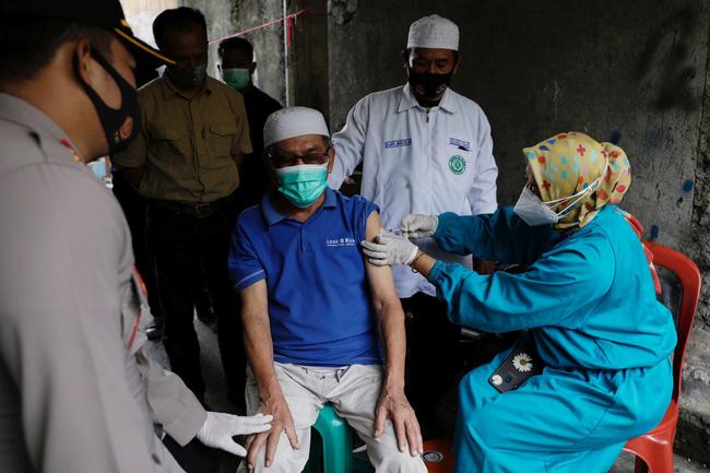 Trung Quốc cung cấp 120 triệu liều vaccine cho ASEAN - ảnh 1