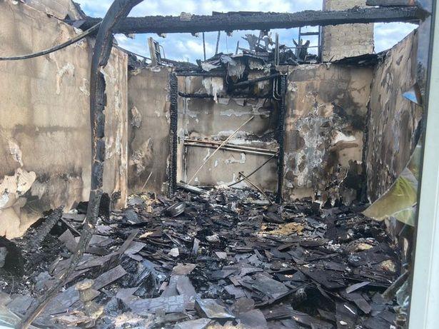 Vừa tắm xong thì hỏa hoạn cháy rụi cả nhà, gia chủ đau xót khi nguyên nhân chỉ từ một hành động tưởng như rất bình thường - ảnh 1