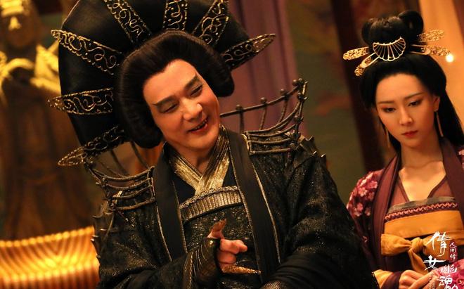 Tài tử Thiên Long Bát Bộ 3 đời vợ, bị chê cười vì cặp kè hot girl nóng bỏng kém 45 tuổi giờ sống ra sao? - ảnh 4
