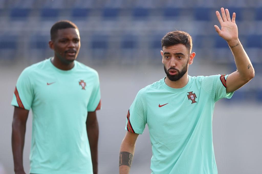 Ronaldo lập cú đúp, Bồ Đào Nha vượt qua những phút giây sợ hãi trước Pháp để tiến vào vòng knock-out - Ảnh 22.