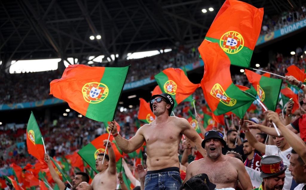 Ronaldo lập cú đúp, Bồ Đào Nha vượt qua những phút giây sợ hãi trước Pháp để tiến vào vòng knock-out - Ảnh 20.