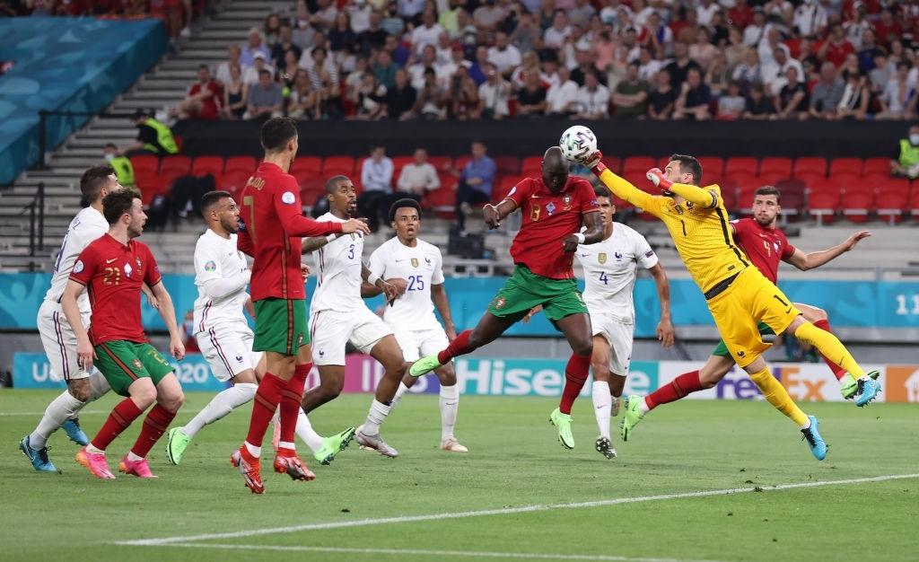 Ronaldo lập cú đúp, Bồ Đào Nha vượt qua những phút giây sợ hãi trước Pháp để tiến vào vòng knock-out - Ảnh 13.